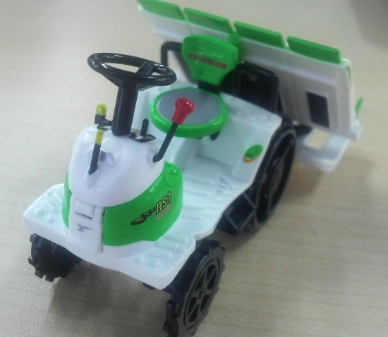 かわいい田植機は高機能で安全性のバッチリ